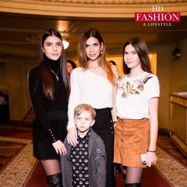 София Крапивина, Алина Алиева с дочерью Сабриной и сыном Вагифом