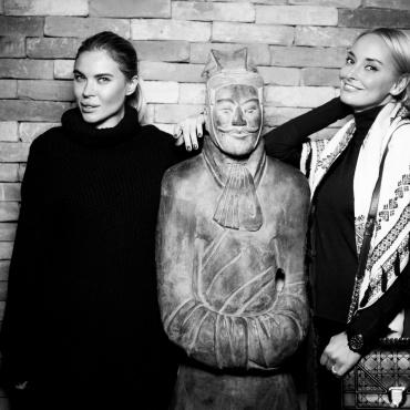 Евгения Миронова и Алена Беттяр