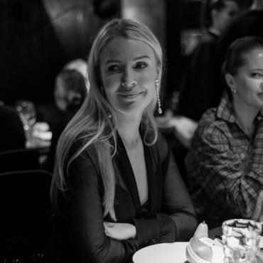 Анна Мартыненко и Иванна Никонова